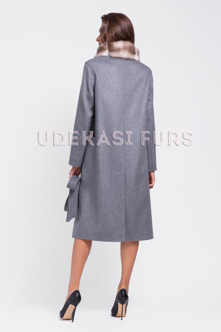 ... Пальто с мехом каменной куницы 9037-04 от магазина Udekasi Furs -  2 eaf7149fa5450